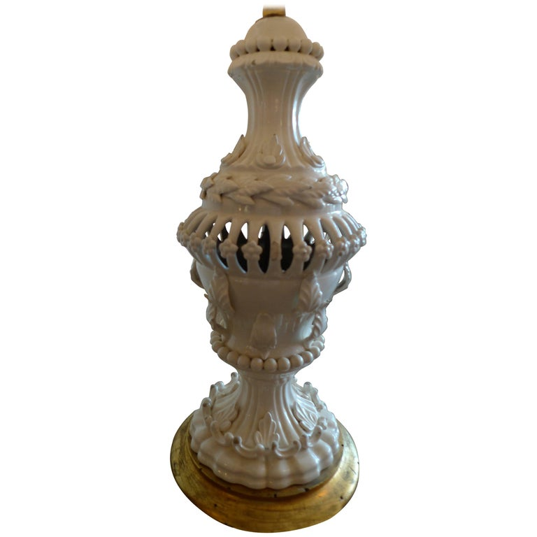 Spanish 1960s Cream Glazed Mansies 'Valencia' Ceramic Table Lamp