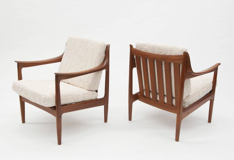 Mid Century Modern Pair Of Vintage Low Scandinavian Modern Lounge Chairs In  Lambswool Upholstery For