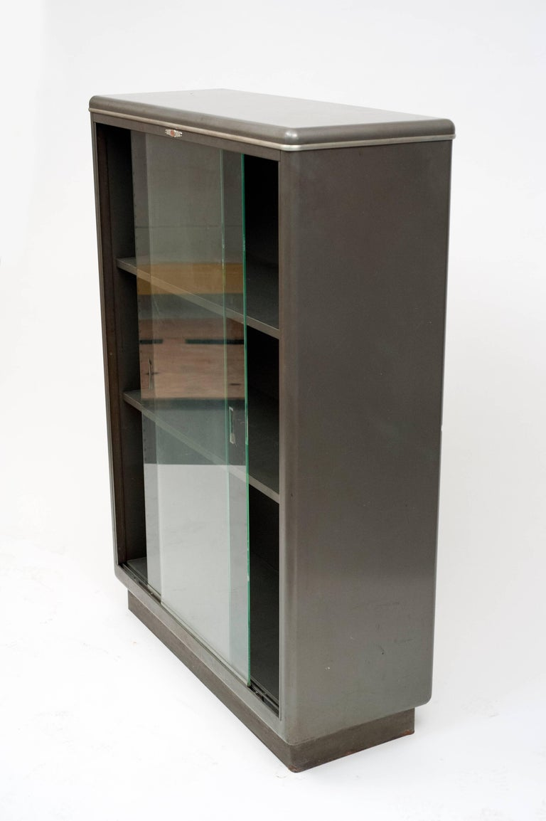 Vintage American Modern Industrial Streamlined Metal Bookcase by Yawman and Erbe For Sale 1