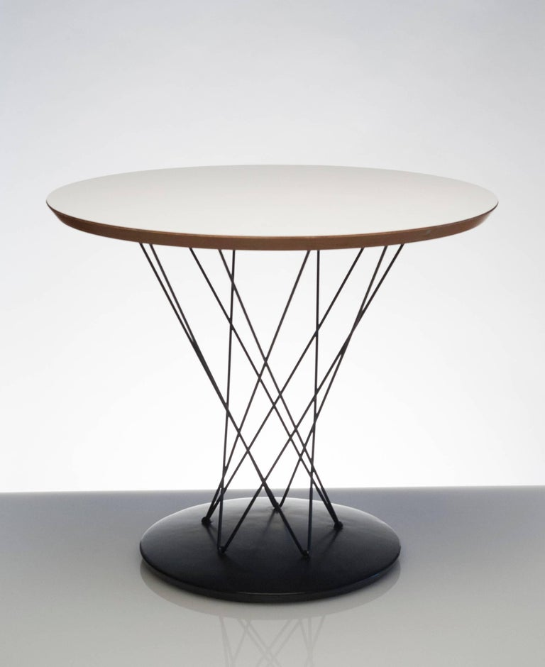 Early vintage table by Isamu Noguchi for Knoll. Originally purchased from Knoll in the 1950s. Table would work well as an end table or bedside table.