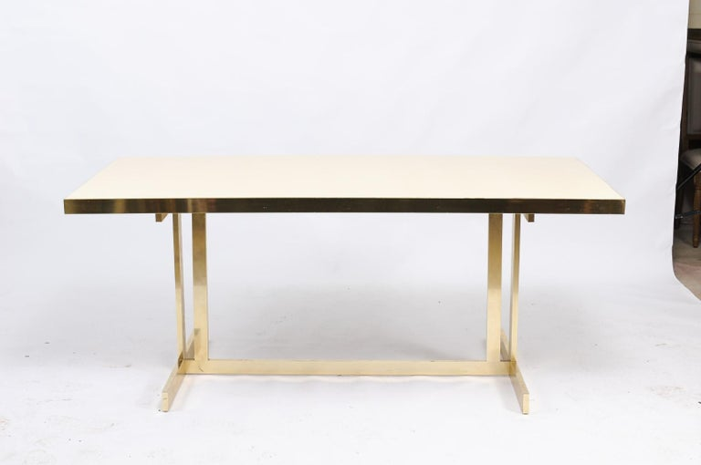 Italian Vintage Mid-Century Modern Formica Dining Table with Brass Trestle Base For Sale 1
