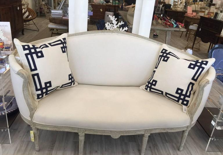 19th Century Swedish Louis XVI Style Painted Wood Upholstered Settee In Excellent Condition For Sale In Atlanta, GA