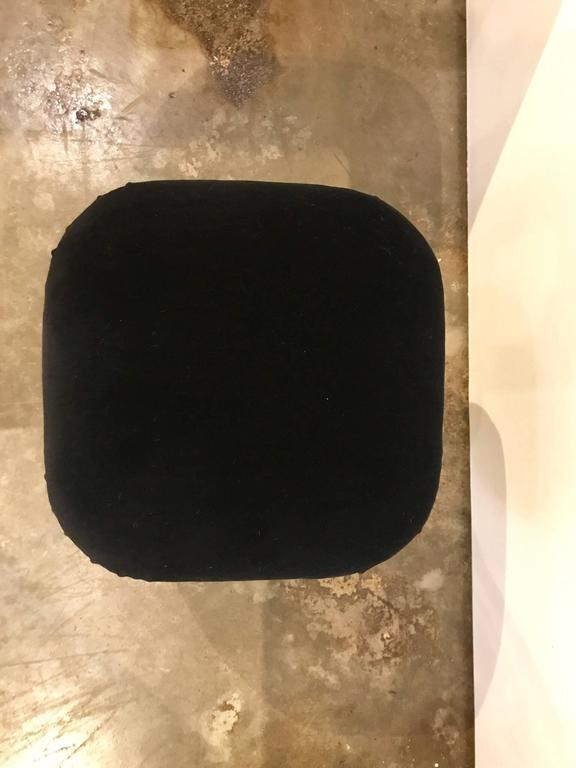 Karl Springer Style Mid-Century Modern / Hollywood Glam New Velvet & Chrome Pouf In Good Condition For Sale In Houston, TX