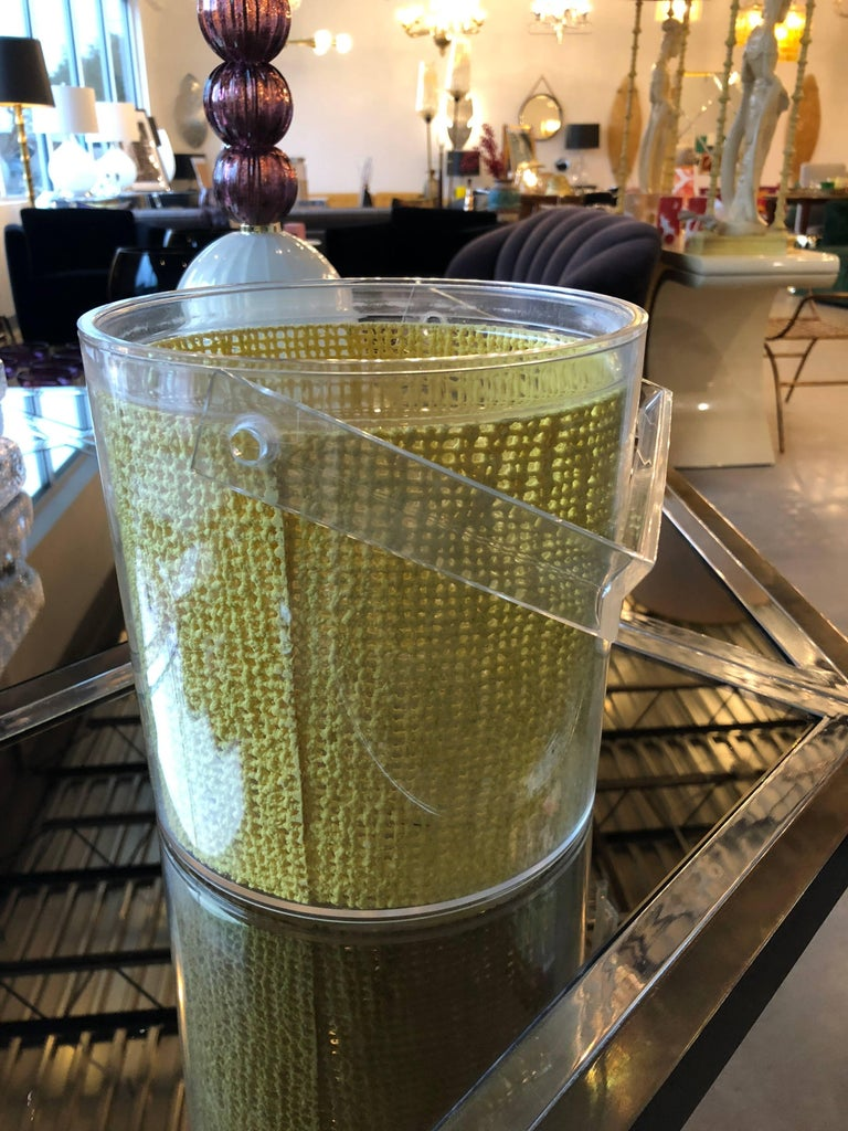 20th Century Georges Briard Mid Century Modern Embedded Raffia Lucite Covered Ice Bucket For Sale
