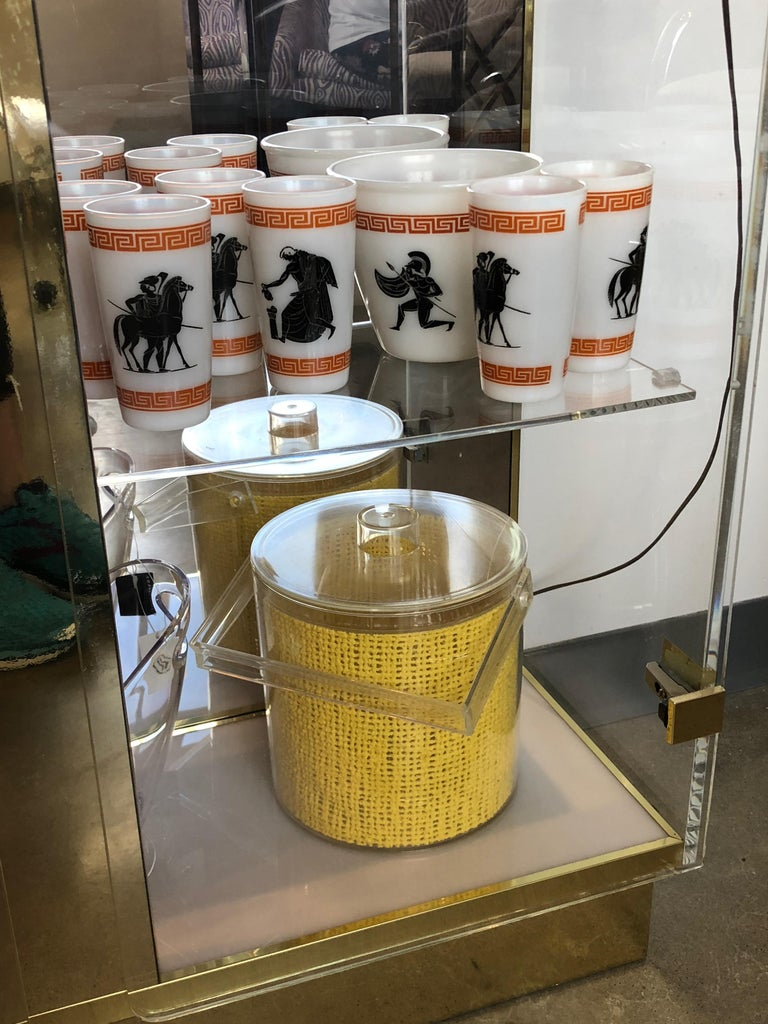 Mid Century Modern Georges Briard Embedded Raffia Lucite Covered Ice Bucket For Sale 5
