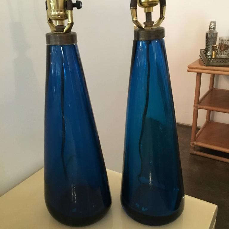 Brass Mid-Century Modern Venini Pair of Blue Italian Murano Glass Table Lamps For Sale