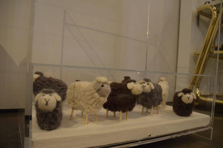 Lucite Object d'art Wooly Sheep Bedside or Side Table by AMK for Patricia Kagan In Good Condition For Sale In Houston, TX