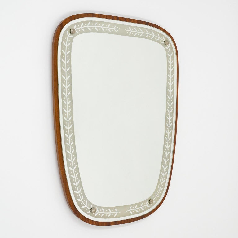 1940s Swedish Art Deco Mirror, Etched Glass and Mahogany For Sale 6