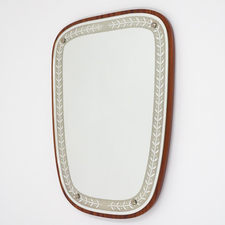 1940s Swedish Art Deco Mirror, Etched Glass and Mahogany For Sale 1
