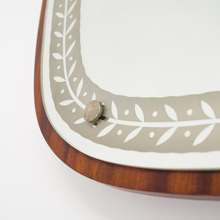 1940s Swedish Art Deco Mirror, Etched Glass and Mahogany For Sale 3
