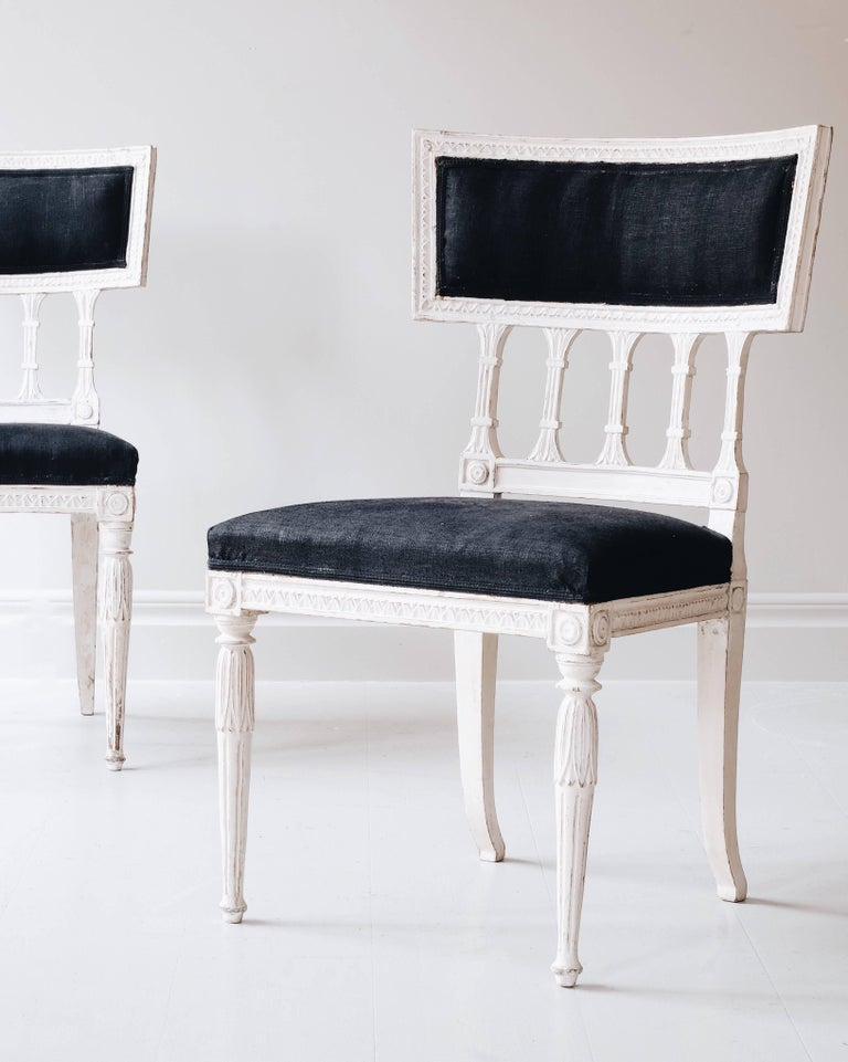 Swedish Pair of 19th Century Gustavian Chairs For Sale
