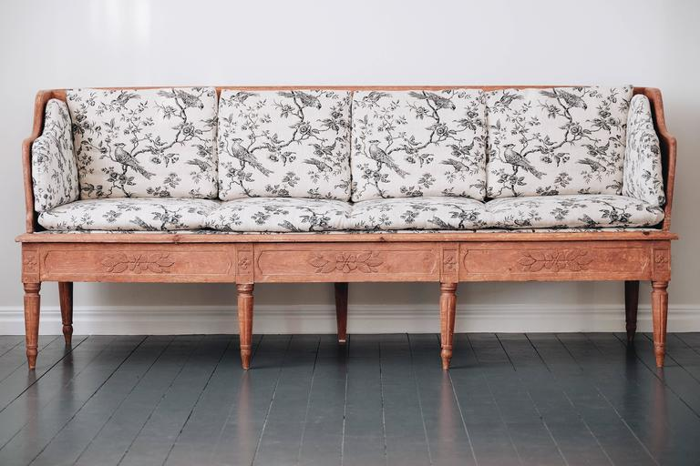 Swedish 19th Century Gustavian Trag Sofa In Good Condition For Sale In Helsingborg, SE
