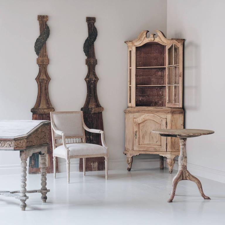 18th Century Swedish Rococo Corner Cabinet For Sale 1