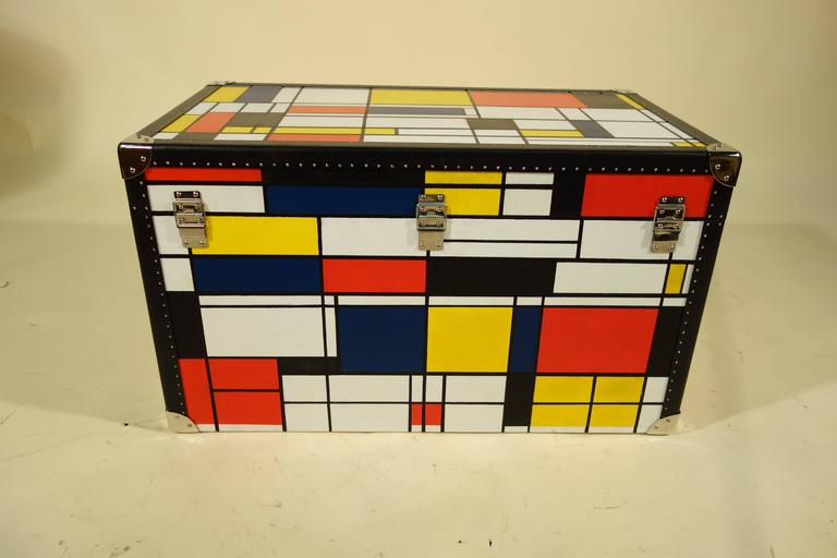 20th Century Piet Mondrian Trunk For Sale