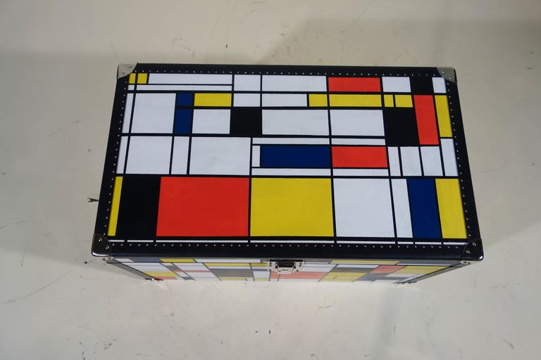 Acrylic Piet Mondrian Trunk For Sale