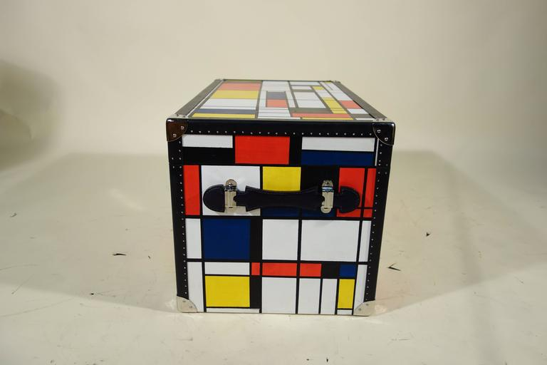 Piet Mondrian Trunk For Sale 3
