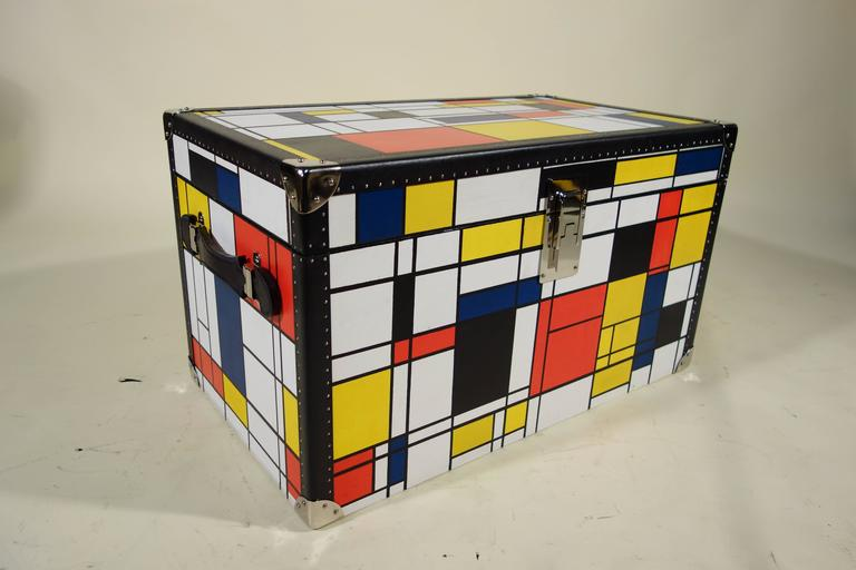 Piet Mondrian Trunk For Sale 1