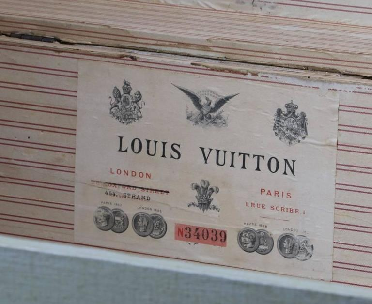 1870s Louis Vuitton Grey Trianon Canvas Trunk In Good Condition For Sale In Haguenau, FR
