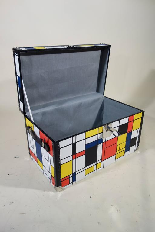 Piet Mondrian Trunk In Excellent Condition For Sale In Haguenau, FR