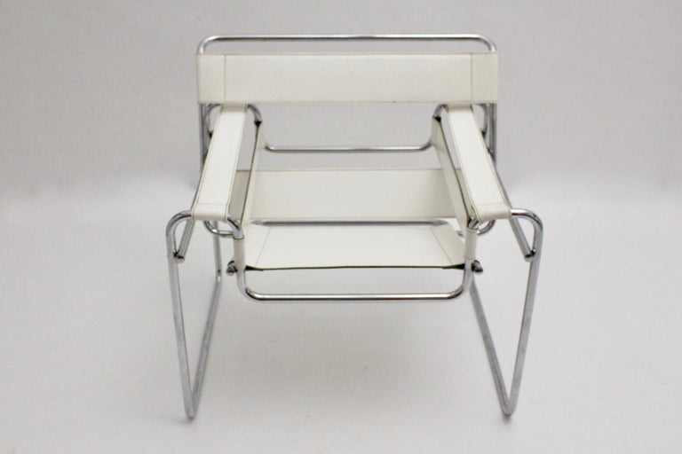 White Wassili Lounge Chair B 3 by Marcel Breuer Bauhaus Style In Good Condition For Sale In Vienna, AT