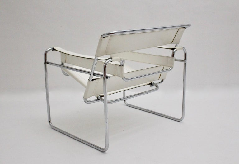 Late 20th Century White Wassili Lounge Chair B 3 by Marcel Breuer Bauhaus Style For Sale