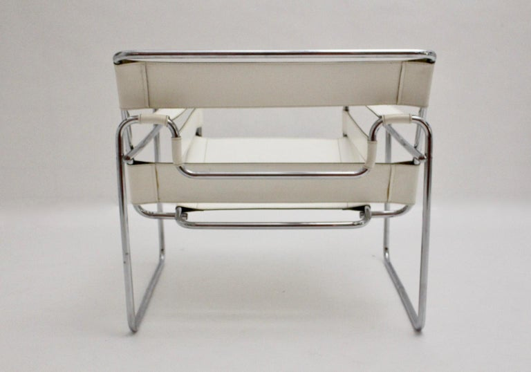 White Wassili Lounge Chair B 3 by Marcel Breuer Bauhaus Style For Sale 1