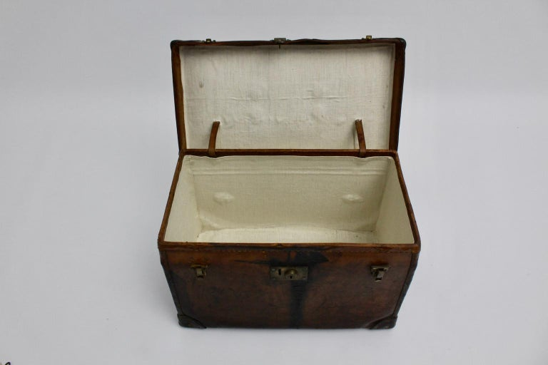 Brown Leather Suitcase circa 1920, Austria For Sale 3