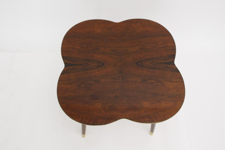 Mid-Century Modern Walnut Coffee Table in Clover Leaf Shape Vienna, circa 1950 In Good Condition For Sale In Vienna, AT