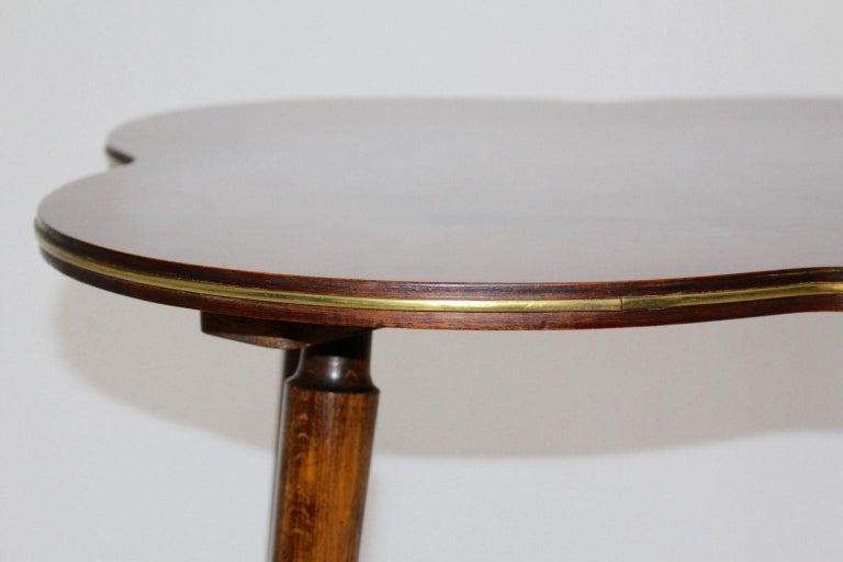 Mid-Century Modern Walnut Coffee Table in Clover Leaf Shape Vienna, circa 1950 For Sale 1