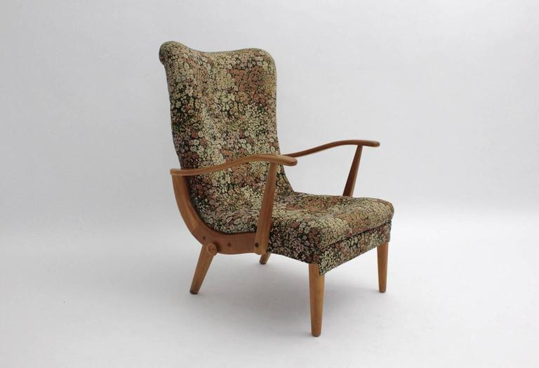 Mid-Century Modern Multicolored Mid Century Modern Lounge Chair with Flower Design Fabric 1950s For Sale