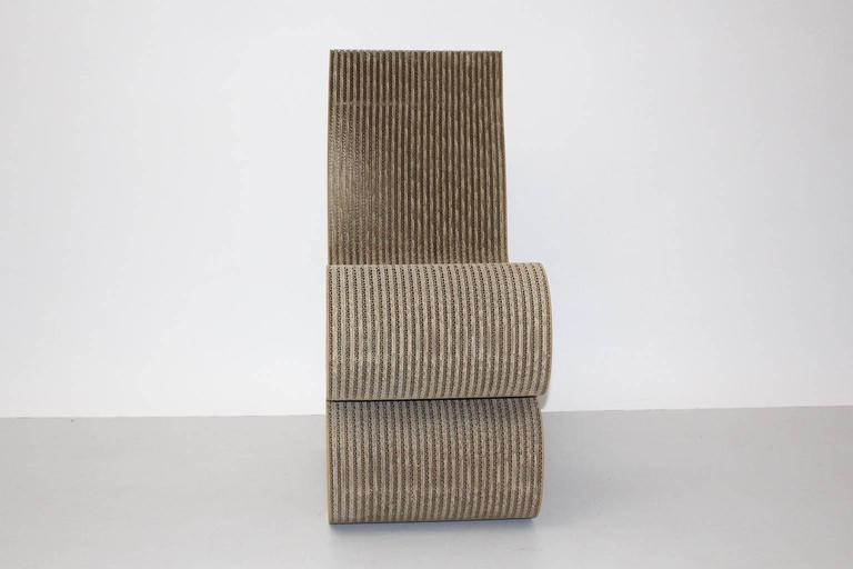 Mid Century Modern Vintage Cardboard Wiggle Side Chair by Frank O. Gehry, 1972 In Good Condition For Sale In Vienna, AT