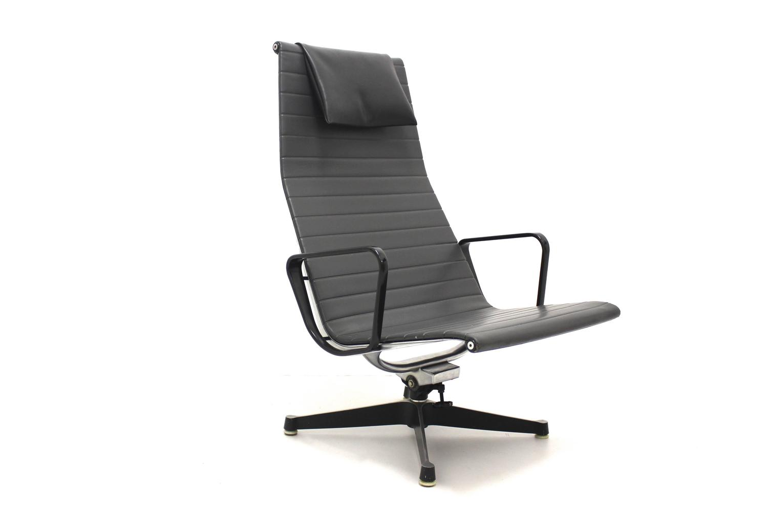 aluminium lounge chair ea 124 by ray and charles eames 1958 for sale at 1stdibs. Black Bedroom Furniture Sets. Home Design Ideas