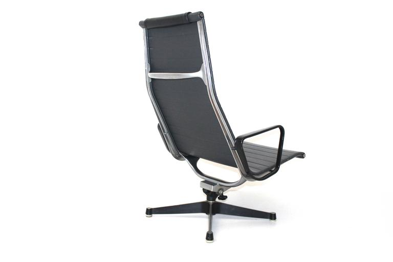 Mid-20th Century Mid Century Modern Vintage Aluminium Lounge Chair by Ray & Charles Eames, 1958 For Sale