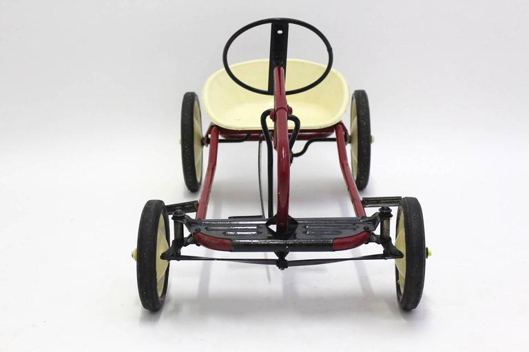 Mid Century Modern Red Toy Pedal Car for Children 1950s In Good Condition For Sale In Vienna, AT