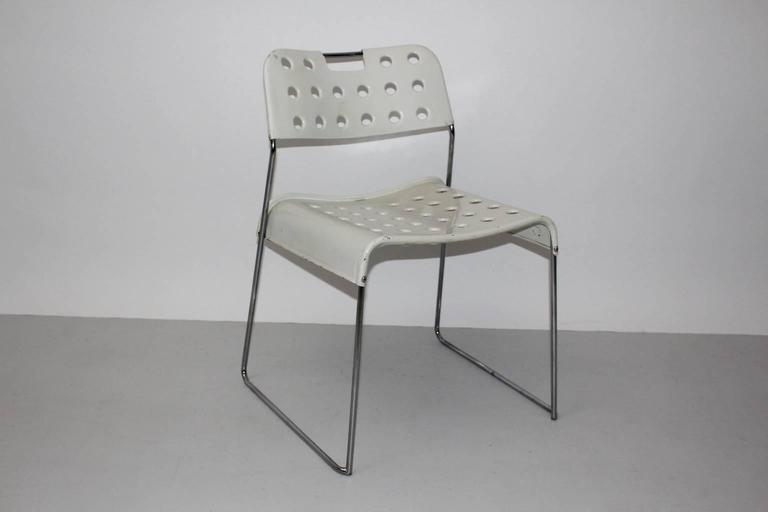 Mid Century Modern Vintage White Omstak Chair by Rodney Kinsman, 1971 In Good Condition For Sale In Vienna, AT