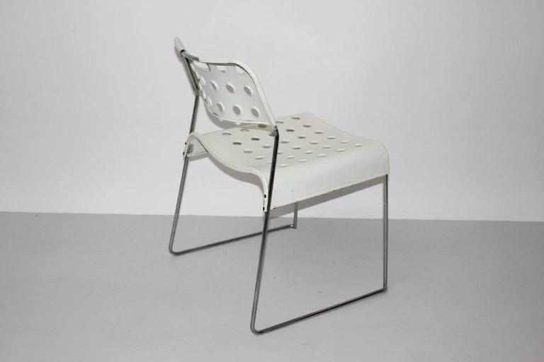 Mid Century Modern Vintage White Omstak Chair by Rodney Kinsman, 1971 For Sale 1