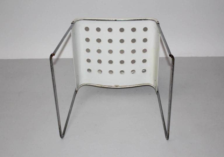 Mid Century Modern Vintage White Omstak Chair by Rodney Kinsman, 1971 For Sale 3
