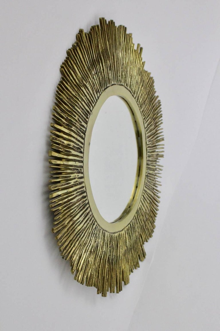 Brass Sunburst Mirror France, 1960s In Excellent Condition For Sale In Vienna, AT