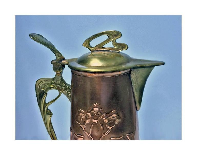 Arts & Crafts Copper and Brass Pitcher Jug, circa 1900 In Good Condition For Sale In Toronto, Ontario