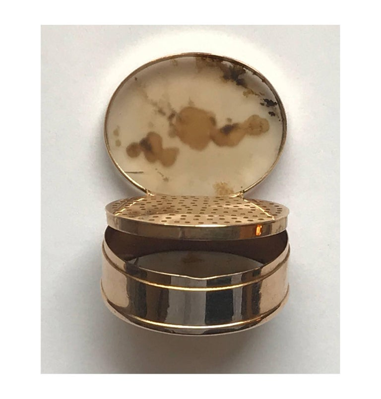 Early 19th Century Georgian Gold and Moss Agate Vinaigrette, circa 1800 For Sale