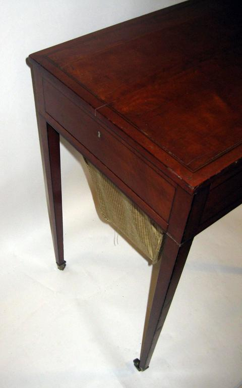 18th Century Hepplewhite Writing Table with Work Basket For Sale 4