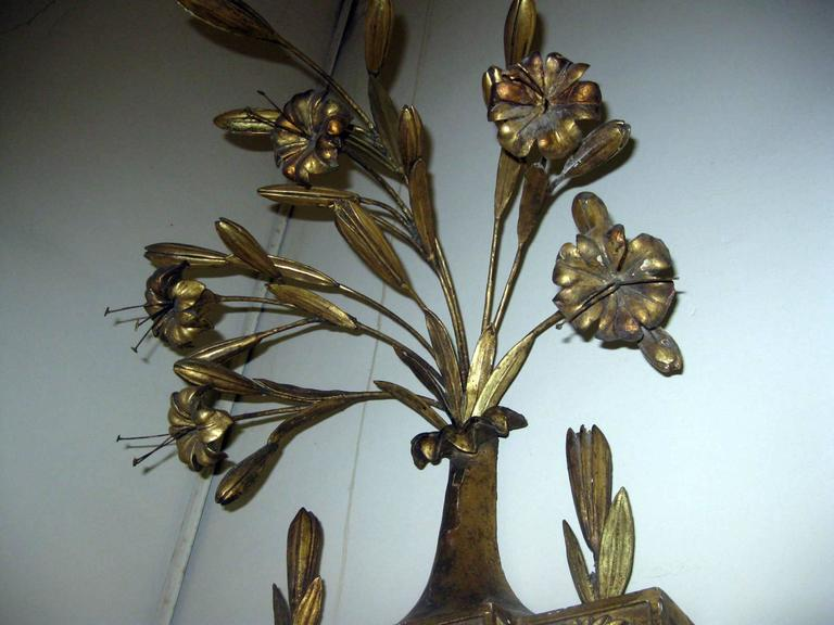 19th Century Italian Gilt Wood Wall Sconces of Monumental Size For Sale 3