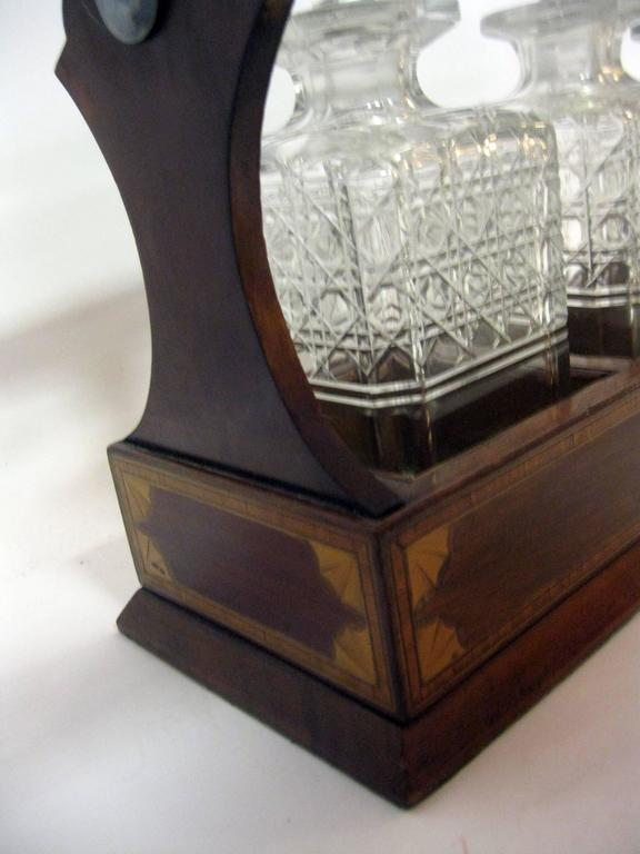 19th Century Georgian Inlaid Mahogany Tantalus with Three Decanters For Sale 2