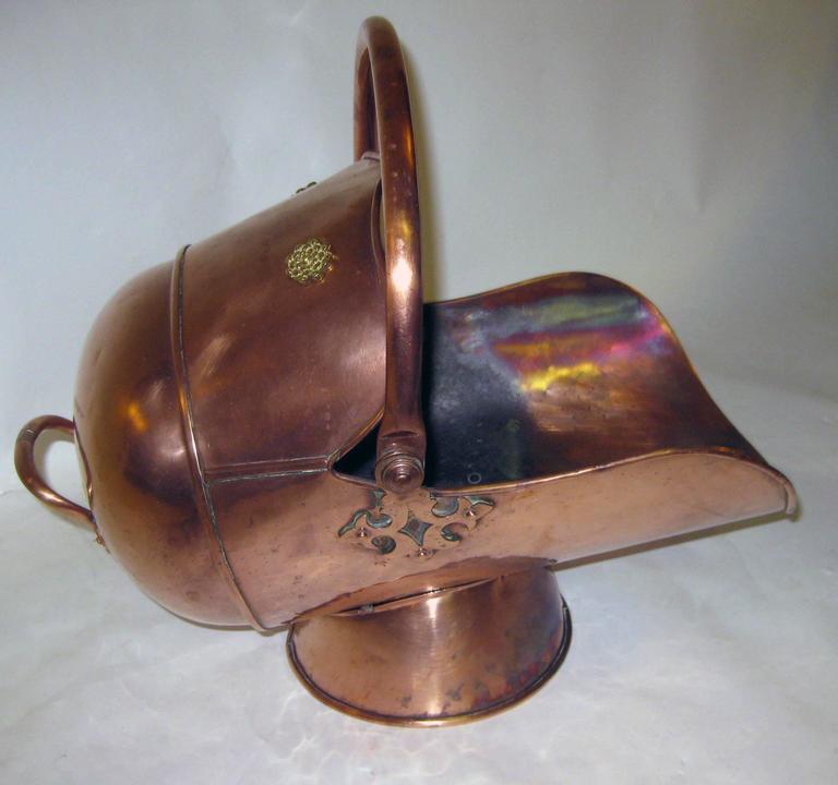 Late Victorian  19th century Scottish Helmet Copper Coal Scuttle For Sale