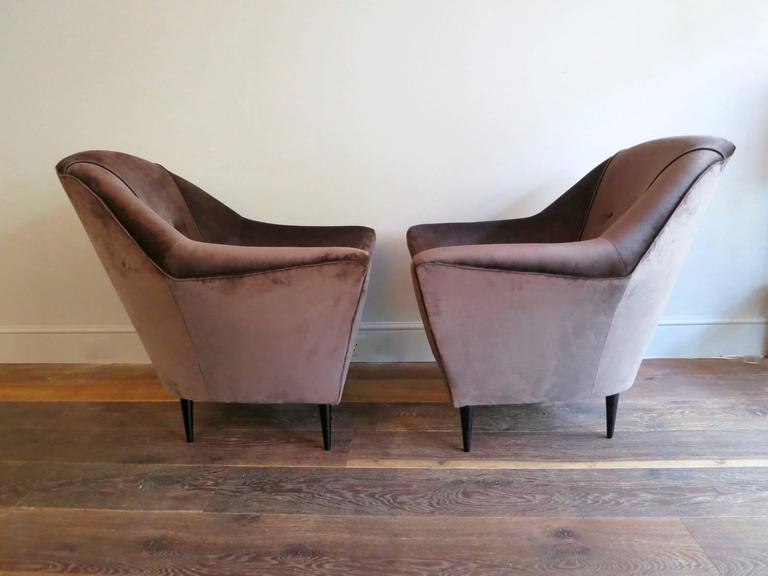 20th Century Pair of Mid-Century Italian Velvet Armchairs Attributed To Ico Parisi  For Sale