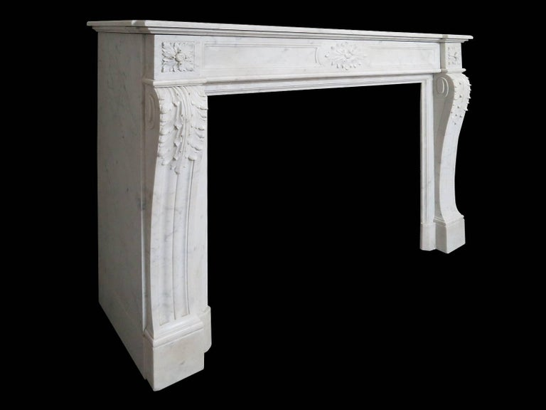 Antique Marble Louis XVI Style French Fireplace Mantel In Excellent Condition For Sale In London, GB