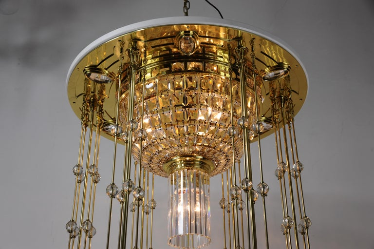 Magnificent and Huge Art Deco Chandelier Vienna, 1920s For Sale 1