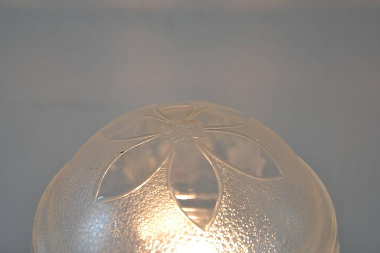 Early 20th Century Pair of Table Lamps with Oval Base and Original Glass For Sale
