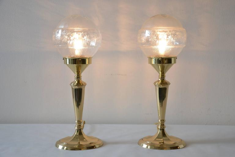 Pair of table lamps with oval base and original glass polished and stove enamelled