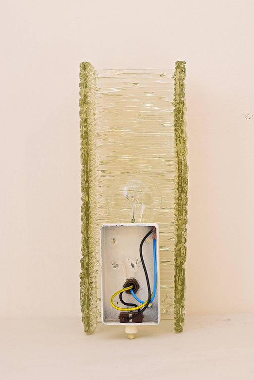 Kalmar Sconce in Textured Glass, circa 1950s In Excellent Condition For Sale In Wien, AT